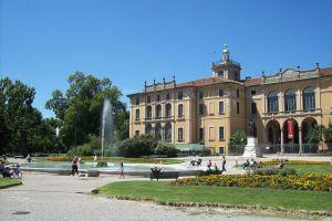 Palazzo Dugnani.