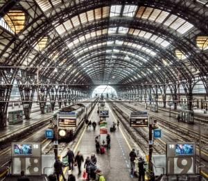 I binari della Stazione Centrale di Milano.