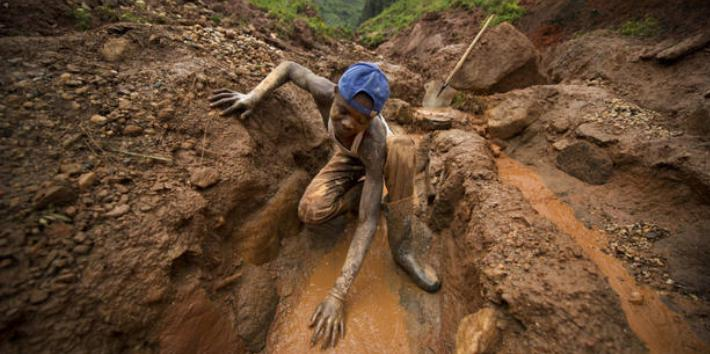 Il coltan e i cellulari insanguinati