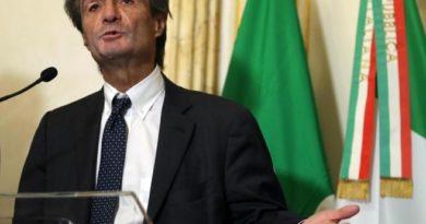 """""""Noi leghisti troppo diversi dai Grillini"""". Intervista al governatore Fontana."""