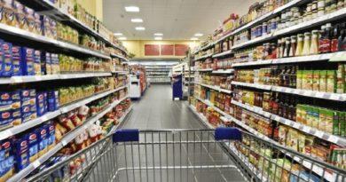 Commercio, Cgia: le famiglie spendono meno, -3% in dieci anni.